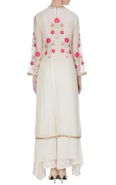 Off-white chanderi sequin & thread embroidered kurta set