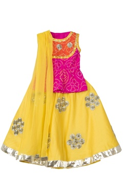 Pink bandhani blouse with hand-embroidered gota lehenga & dupatta