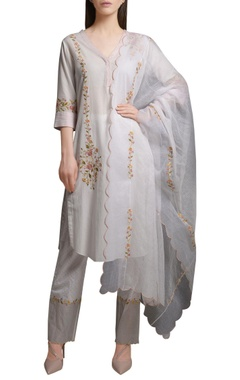 Mandira Wirk Ivory floral embroidered cotton silk kurta with block printed cotton pants & kota dupatta