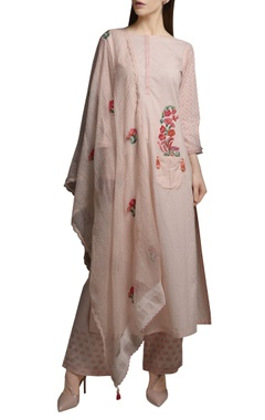 Mandira Wirk Pearl pink cotton embroidered short kurta with block printed pants & dupatta