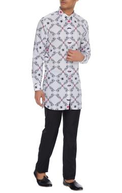 Mr. Ajay Kumar - Men White nilgiri printed long sleeve kurta shirt