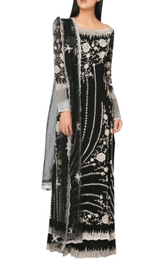 Jet black georgette floor-length layered kurta with embroidered dupatta & churidar.