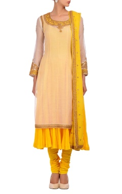 Nidhi Tholia white & yellow layered embroidered kurta set