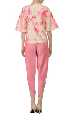 Cream & coral pink tie dye blouse with dhoti pants