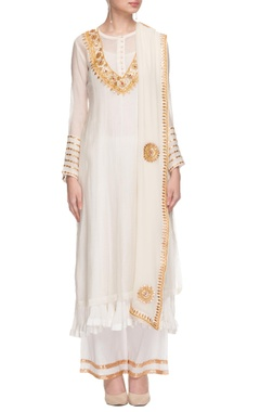 Nidhi Tholia white kurta set with gota patti work