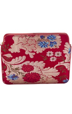 Casa Pop Red zari threadwork purse