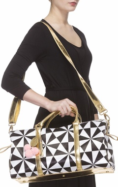 Black & white digital printed handbag