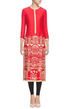 Red & gold thread embroidered kurta