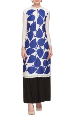 White & blue leaf applique tunic
