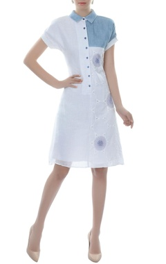 White & blue color-block collared dress