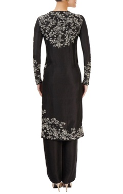 black kurta set with embroidery