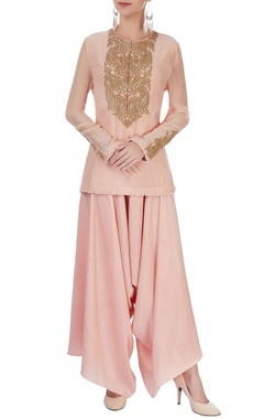 Anamika Khanna Blush pink kurta set with embroidery