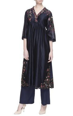 Blue floral embroidered kurta