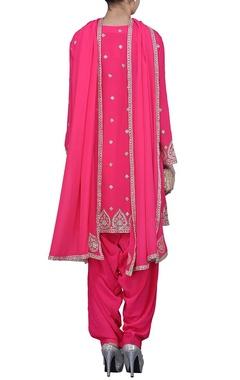Fuschia embellished pink kurta set