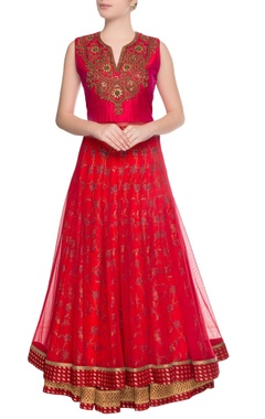 Red embroidered kurta with skirt