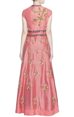 Peach embroidered kurta & skirt