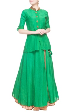 Green embroidered kurta & skirt set