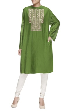 green embroidered oversized kurta