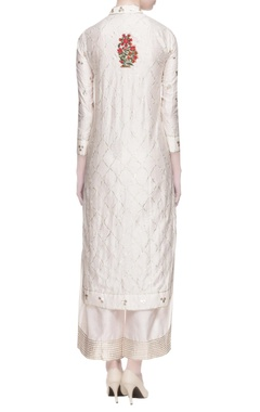 White floral embroidered kurta set