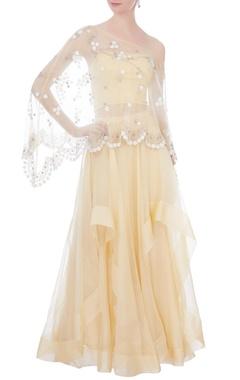 pale yellow skirt