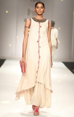 Ivory embroidered long kurta with gathered maxi skirt