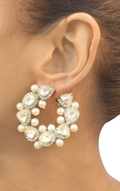 Gold plated silver dimante & pearl circular earrings