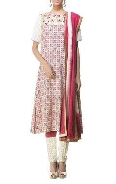 Cream, red & black printed & shaded kurta set