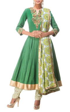 Deep green & cream floral printed & embroidered kurta set