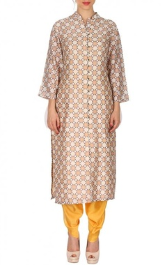 Beige & white geometric printed tunic with yellow patiala