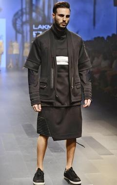 Black pocket zippered bomber jacket