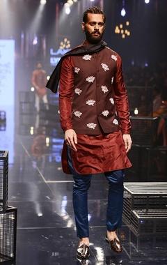 Wine kurta & teal pants with bandi