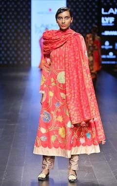 Swati Vijaivargie Rust & gold kurta set