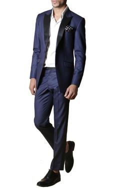 navy blue notch-collared blazer