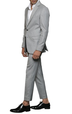 NoughtOne Grey notch-collared blazer
