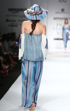 White & blue printed off-shouldered top & pants