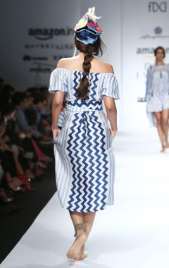 Blue & white printed off-shouldered dress with belt
