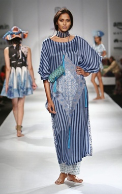 Blue striped motif printed kaftan & sheer pants