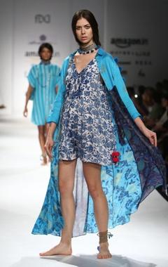 blue & white printed cold-shouldered shirt dress & jumper