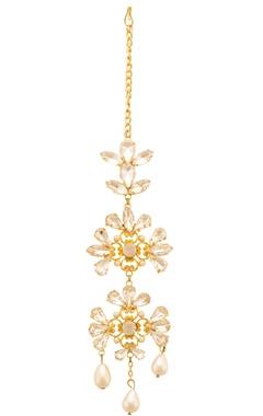 gold plated floral motif embellished maangtika