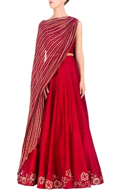 Red dupatta-attached blouse & lehenga set