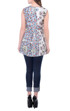 white and blue floral printed top