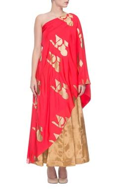 Golden pleated skirt