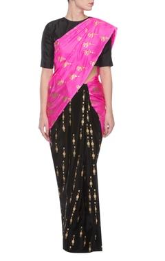 Black & pink parrot print sari