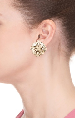 Rhodium plated geometric motif earrings