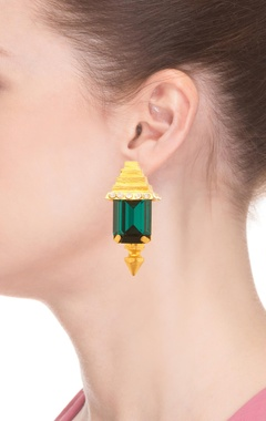 Rose gold plated green pyramid design earrings