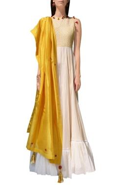Cream & yellow thread embroidered kurta set