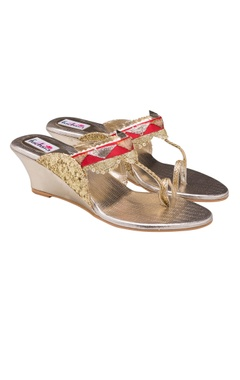 golden & silver kolaphuri platforms