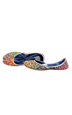 multi-colored fireworks printed juttis