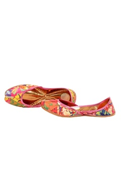 multi-colored floral printed juttis