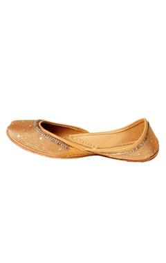 Gold zari embroidered juttis